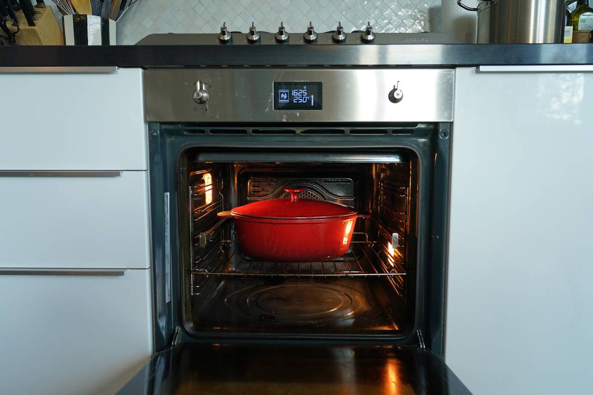 Turn The Oven On Low To Keep Food Warm