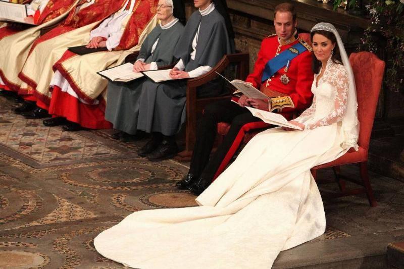 Kate-Middleton-Wedding-Dress-809170200-48498