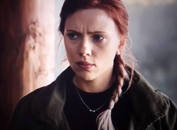 Natasha Wears An Arrow Necklace To Symbolize A Friendship