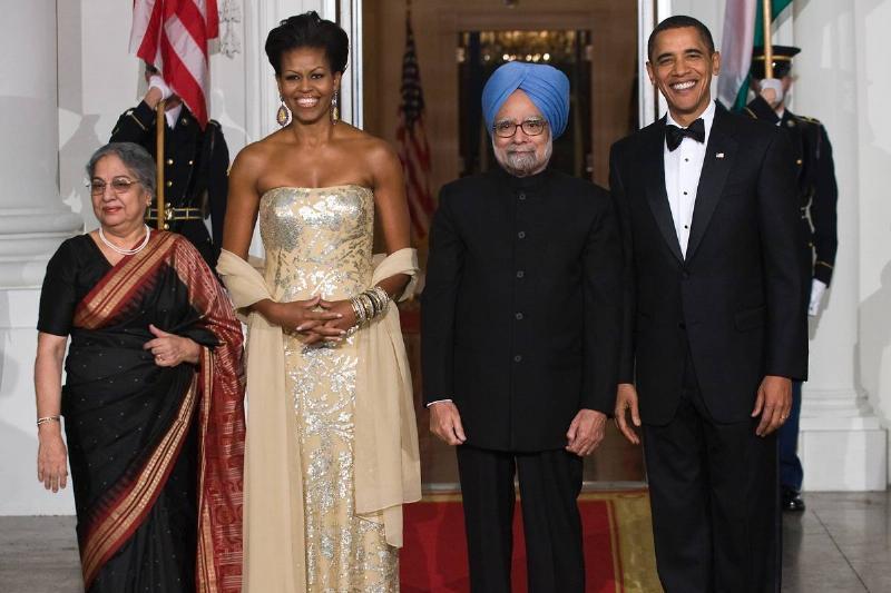 US President Barack Obama (R), First Lad