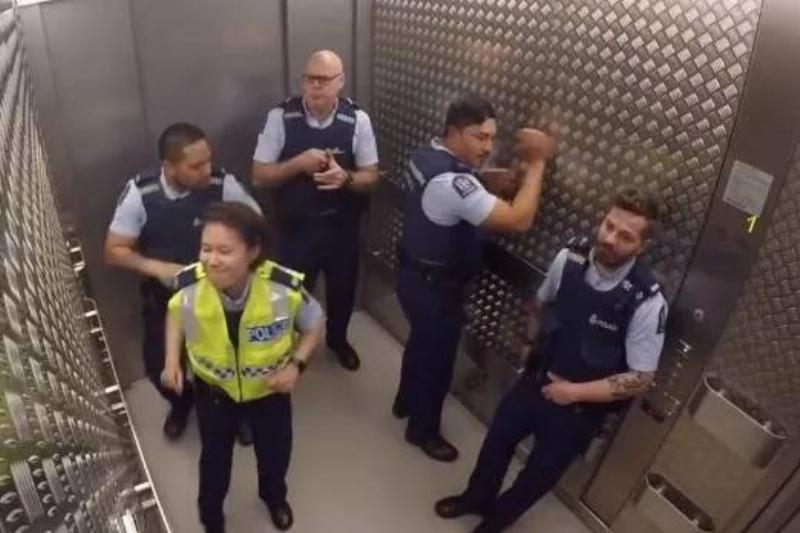 elevator-4