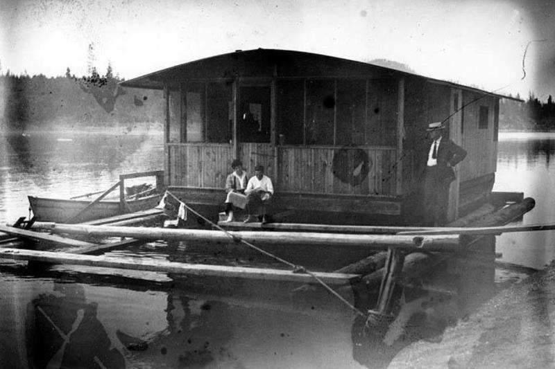 houseboat-12625