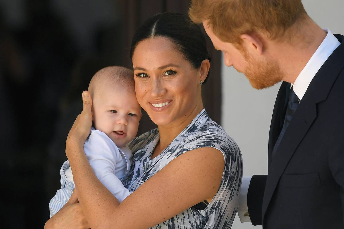 Meghan Markle holds baby Archie.