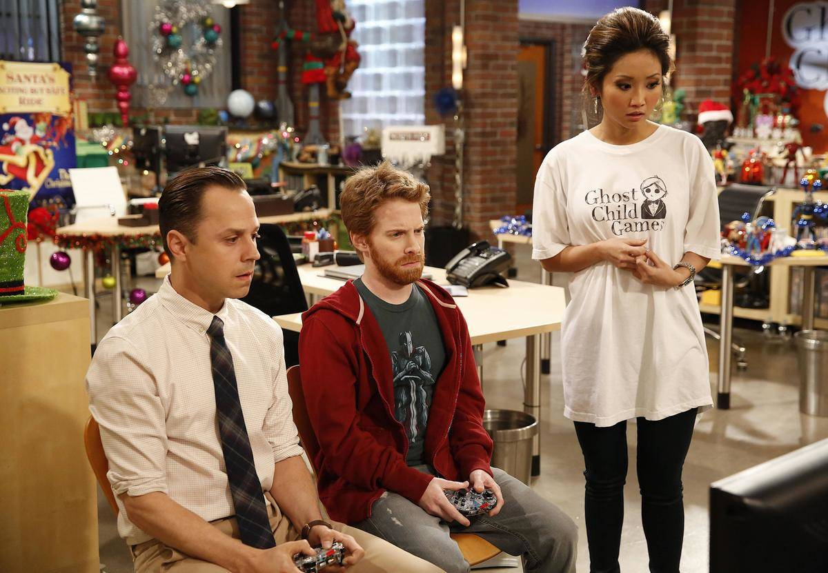 Giovanni Ribisi, Seth Green, and Brenda Song in a still from dads