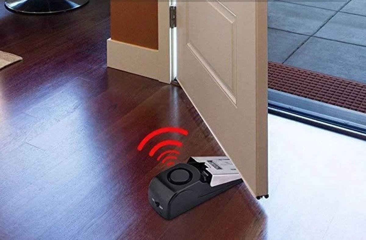 A door step alarm makes a noise when the door opens.