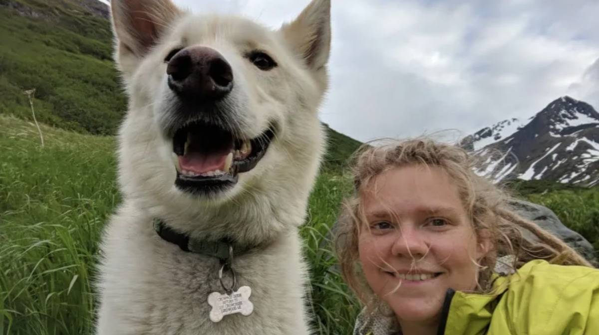 Milling takes a selfie with Nanook.
