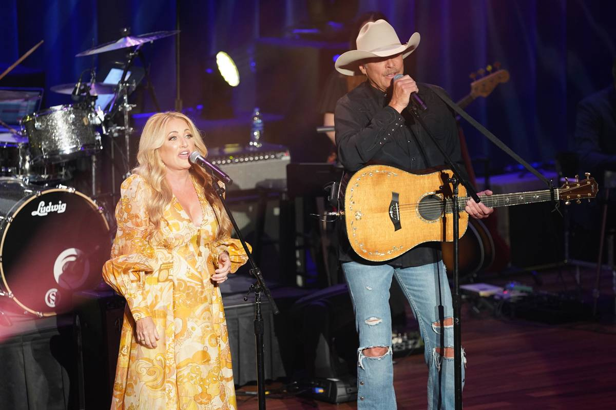 Alan Jackson and Lee Ann Womack perform during the 14th Annual Academy Of Country Music Honors.