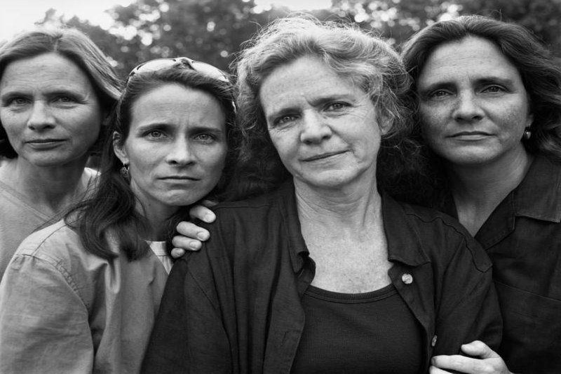 1998 brown sisters posing