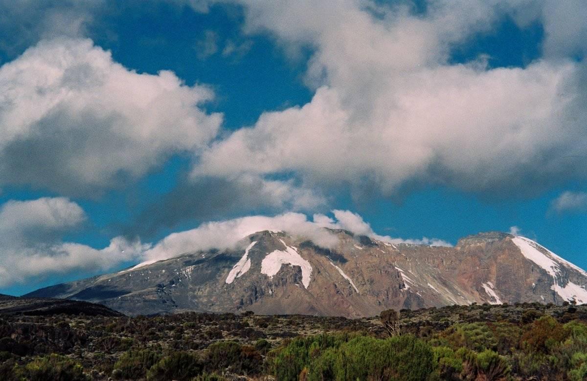 Africa, Tanzania, Safari, Mount Kilimanjaro, from the Shira Plateau