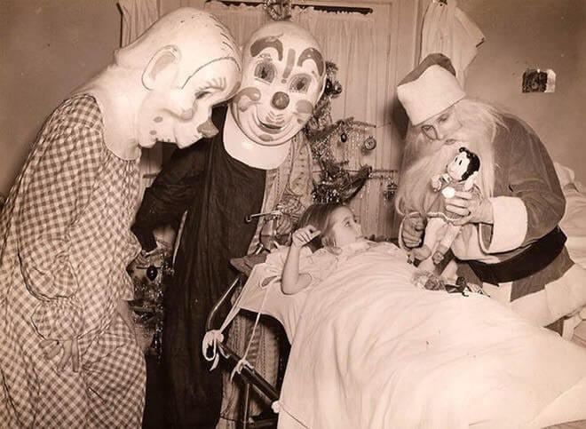 clowns visitng hospital.jpg