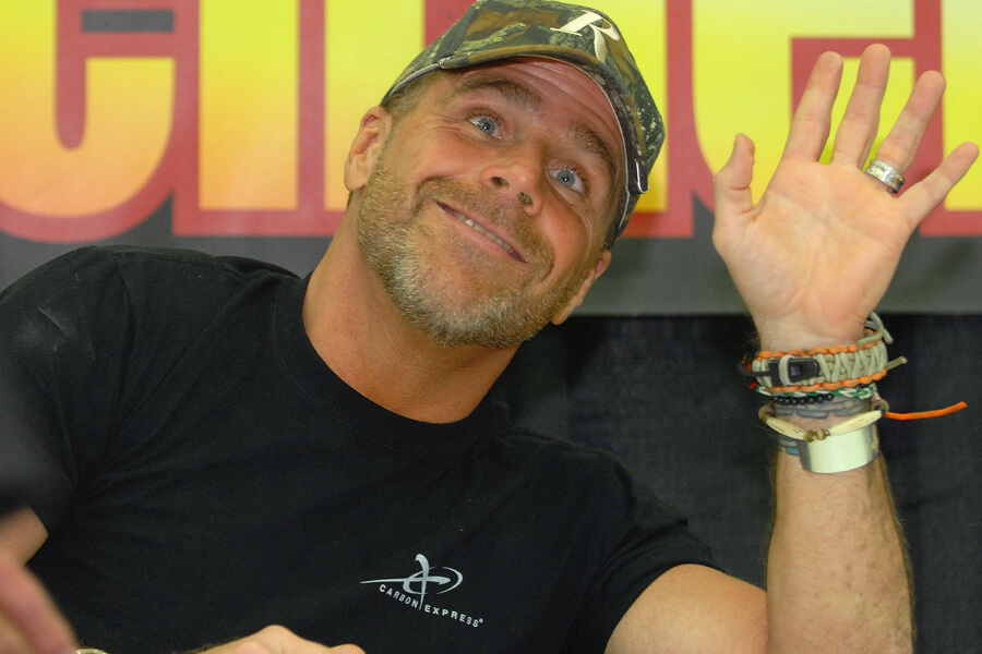 shawn michaels hosts a hunting show.jpg
